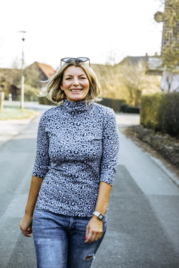 Single Safari Knit WEEKENDER Hamburger Liebe ALBSTOFFE Designbeispiel Blue Navy Claudi kibadoo Langarmtop