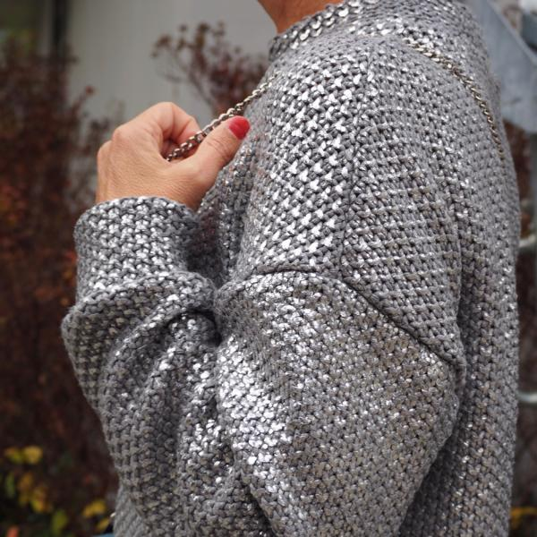 Stofftraeume4you glitter knit large gray pearl pattern Frau Maerz sewing example