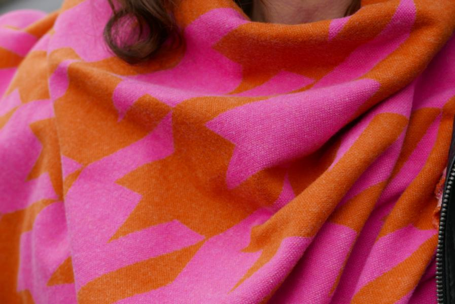 Giant Houndstooth Ortensia Nepal Pink Orange Stofftraeume4you ALBSTOFFE cuddly jacquard sewing example Cigdem Tusch