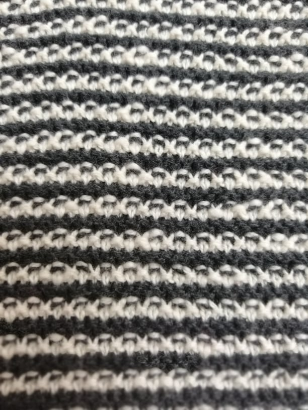Knitstoff Gray and white striped Stofftraeume4you Frowein nah knitting art