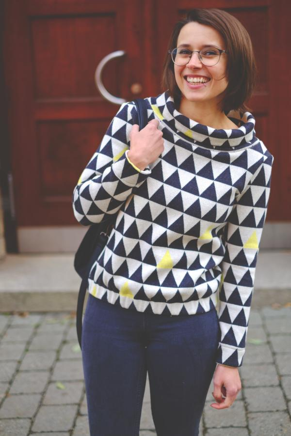 knitsstoff Triangle yellow cotton Stofftraeume4you Frowein example radio head sweater Katharina