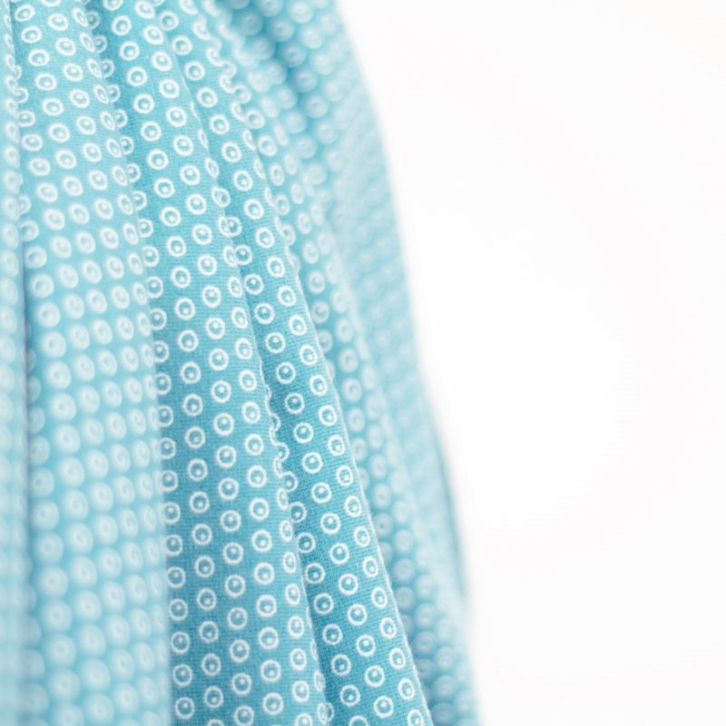 Organic jersey Kuller light blue Stofftraeume4you Stoffuncle Nah Hanging small circles as a pattern