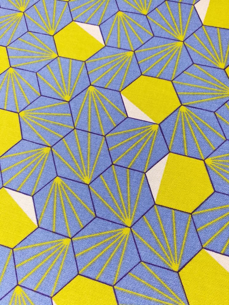 Hexagon-Blau-Senf-Canvas-Druck-Stofftraeume4you
