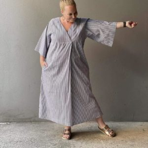 KAFTAN DRESS The Assembly Line Stofftraeume4you Papierschnittmuster gestreift XL