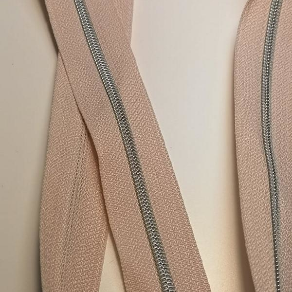 Metallized zipper 156 powder ice pink narrow silver Stoffdreams4you